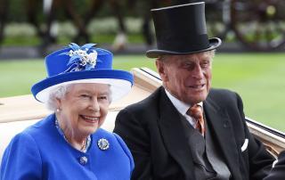 Platinalakodalmára készül a brit uralkodó és férje