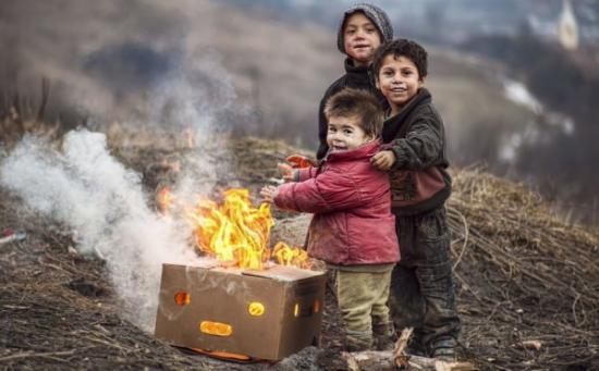 Eurostat - A romániai gyerekek csaknem felét fenyegeti a szegénység