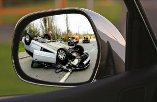 Eurostat - jelentősen csökkent a közúti balesetek halálos áldozatainak száma az EU-ban