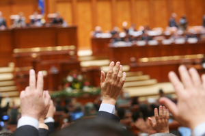 Megbukott az ellenzék bizalmatlansági indítványa
