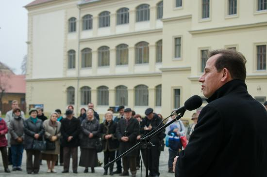 """Sógor Csaba Nagyenyeden: Másokat is arra biztatunk, hogy vállalják a """"keresztszülőséget"""""""
