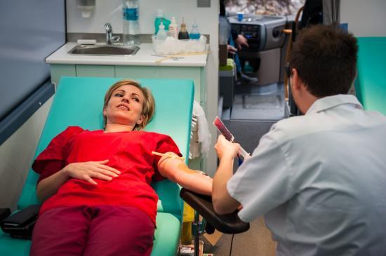 Négyszázan a BBTE véradó kampányán