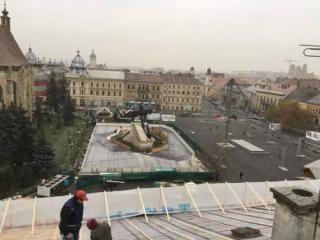 VIDEÓ - Így néz ki a a Mátyás-szobor körül beüzemelésre váró korcsolyapálya