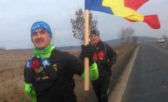 Békítő szándékkal futott a román nemzeti ünnepen Nagyenyedről Gyulafehérvárra egy magyar ultramaratonista