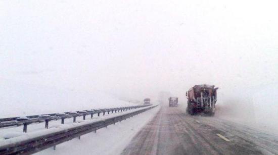 Havazik a Gyalu–Torda autópályán