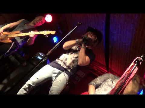 VIDEÓ - Hajdani metál számok a Music Pubban
