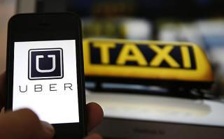 Tiltakozásra készülnek a taxisok az illegális személyszállítás megfékezése érdekében