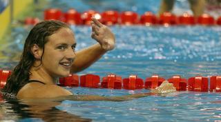 Rövidpályás úszó Eb - Hosszú arany-, Bernek ezüstérmes