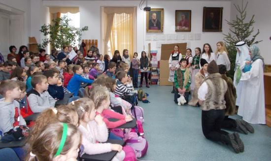 Báthorys kisdiákok karácsonyi ünnepsége a plébánián
