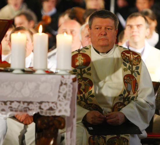 Ma délután gyászmisén búcsúztatják Kovács Sándor főesperest