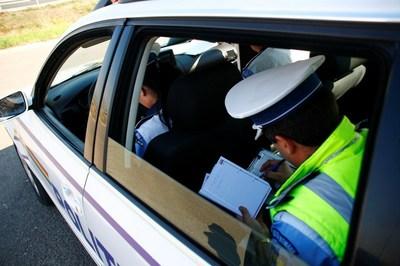 Több mint egymillió lej értékben bírságoltak a rendőrök karácsony másnapján
