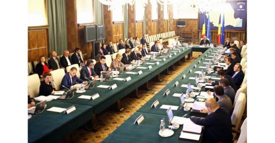 Új intézkedéseket fogad el a kormány az IT-szektorban dolgozók támogatására