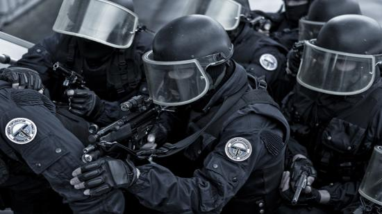 Fokozódott az erőszak a német, svéd és francia rendőrökkel szemben