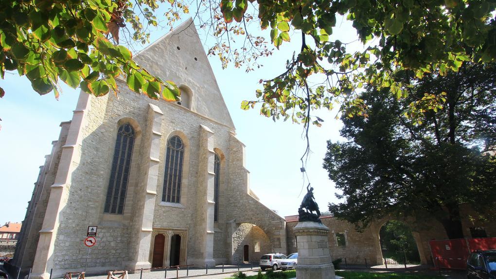 Mátyás szülővárosa iránti hálájának megtestesülése: a Farkas utcai templom