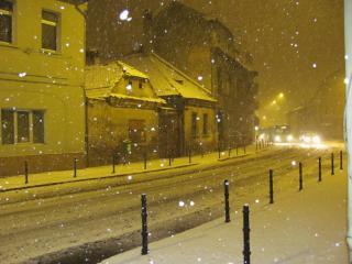 Vihar és erős havazás csaknem a fél országban