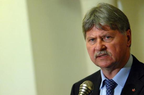 Elhunyt Verestóy Attila szenátor