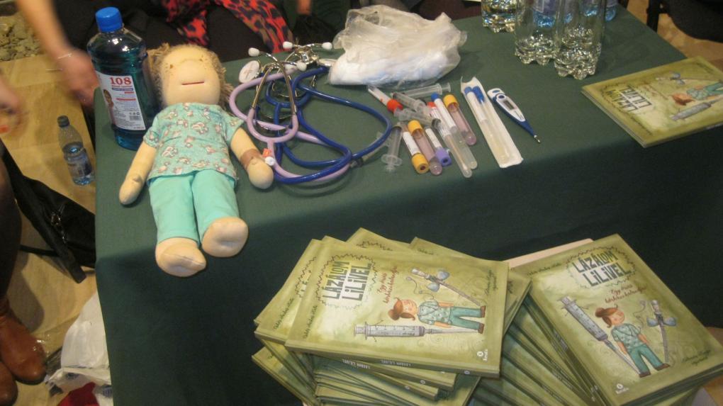Mesék gyerekeknek a romániai kórházról