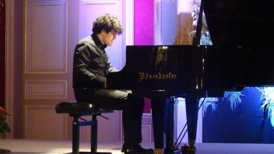 Franciaországi díjak Demény Balázs zongoraművésznek