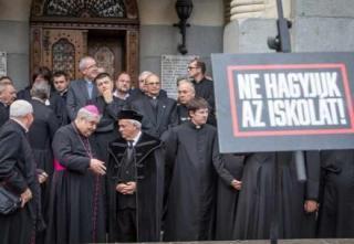 Marosvásárhelyi iskolaügy - Nacionalista szólamokkal támadja az ellenzék az iskola újraalapítását