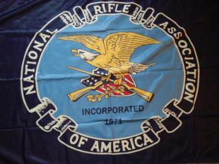 Több amerikai cég megszakítja üzleti kapcsolatait az Országos Fegyver Szövetséggel