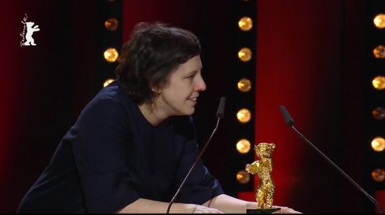 Elsőfilmes román rendezőnő nyerte az Arany Medvét a Berlinalén