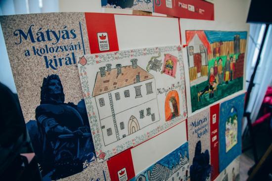 Díjazták a Mátyás a kolozsvári király rajz és fogalmazás pályázat nyerteseit