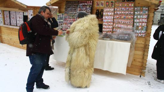 Szerencsét és havat hozó márciuskák kolozsvári vására