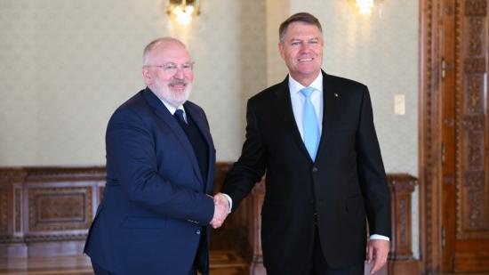 Timmermans: az igazságszolgáltatás elleni támadások negatív képet festenek Romániáról