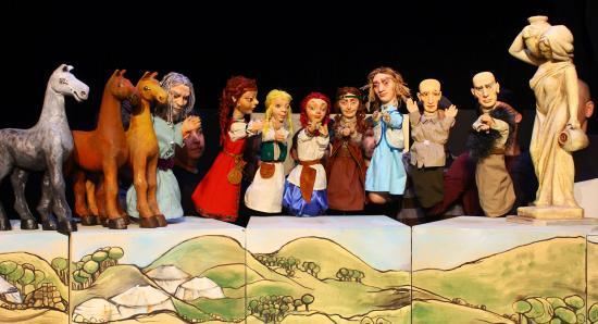 Kolozsvári mesék – bemutató a bábszínházban