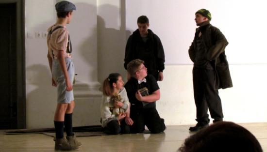 Valahol Európában: temesvári diákszínjátszók Nagyenyeden
