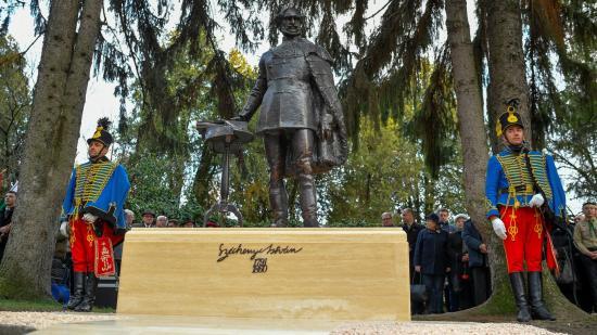 Leleplezték Széchenyi István szobrát Szatmárnémetiben