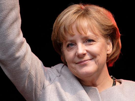 Merkel: nem nyomásgyakorlással kell létrehozni az új EU-s menekültügyi rendszert