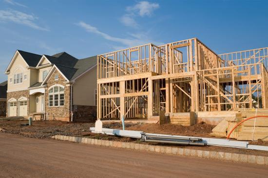 Februárban nagyot csökkent a megkezdett lakóingatlan építkezések száma az Egyesült Államokban