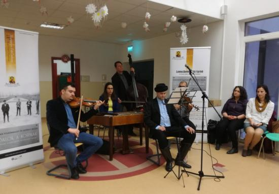 Arany János folklorizálódott versei Szamosújváron