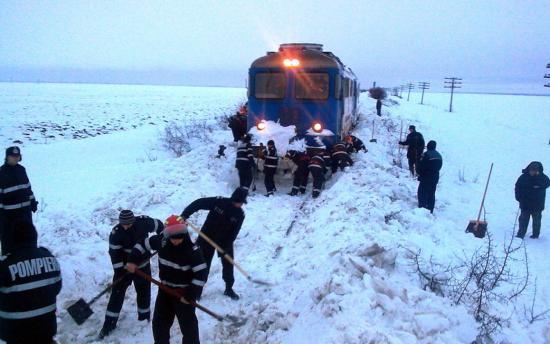 Több mint 40 vonatjáratot töröltek az időjárás miatt