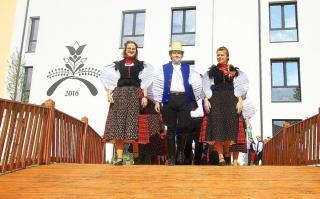 Két magyar kilencedik osztály indul a ...