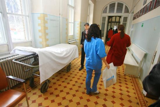 Másfél millió euró a kórházaknak