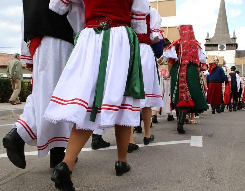 """A népviselet, népművészet ünnepe Kalotaszeg """"fővárosában"""""""
