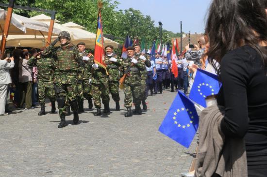 Győzelem és Európa napot ünnepeltek a Főtéren