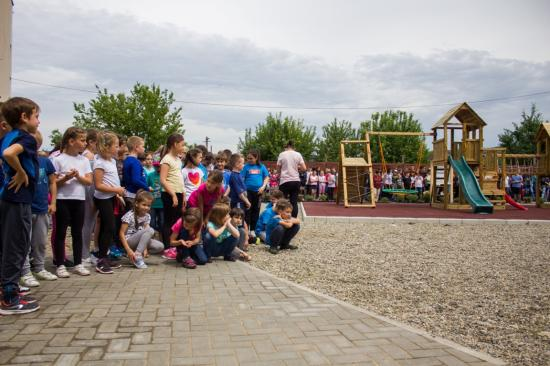 Játszóteret és edzőparkot avattak Szamosújváron