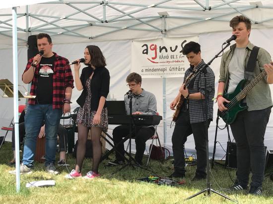 A 15 éves Agnus Rádiót ünnepelték hétvégén
