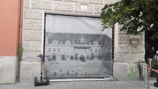 További két próbaposzter vár kifüggesztésre Kolozsvár Főterén