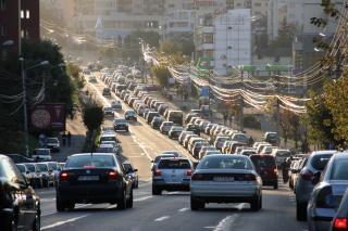 Tízéves csúcson az autópiac
