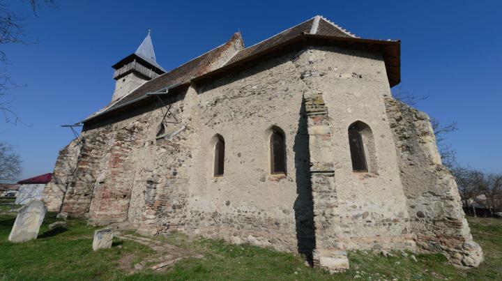 Erre költik a magyarországi támogatást: templomok tucatjait tatarozzák