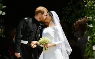 A hagyományos királyi pompa és a modern kor ötvöződik Harry és Meghan Markle esküvőjén