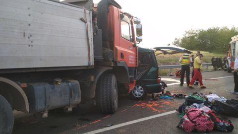 FB Live-on a Magyarországon balesetet szenvedett mikrobusz sofőrje