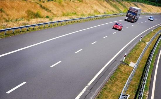 Új autópálya-szakasz épülhet uniós finanszírozásból – de csak a román határig
