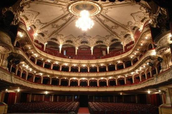 Két új előadás a Román Színház színpadán