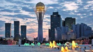 Négy nap a nevében is főváros kazah fővárosban, Asztanában