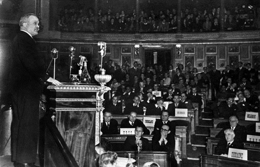 Molotov nyitó beszéde a párizsi konferencián